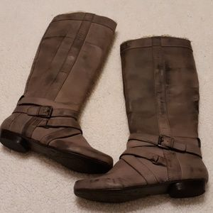 Steve Madden Factory Distressed Gray Boots NWOT